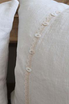 button trim~via mrslemon@sbcglobal.net for more info : )