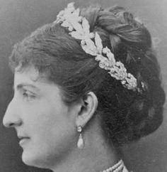 Tiara Mania: Queen Margherita of Italy's Diamond Wreath Tiara