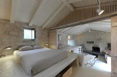 15 ATTIC ROOMS CLEVERLY MAKING USE OF ALL AVAILABLE SPACE - Home Interior Designs