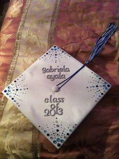 Graduation Cap Decoration- I want something like this! Graduation 2016, Graduation Cap Designs, Graduation Cap Decoration, High School Graduation, Graduate School, Graduation Gifts, Graduation Photos, Abi Motto, Grad Hat