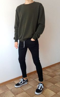 Outfit with vans vans old skool schwarz skinny jeans boys jungs outfit Korean Fashion Men, Fashion Mode, Boy Fashion, Mens Fashion, Daily Fashion, Fashion Trends, Fashion Outfits, Short Outfits, Boy Outfits