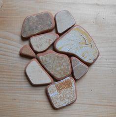 Genuine surf tumbled  beach pottery  Sea pottery, 9 pieces, fantasy mix mustard, jewelry, crafting, home decor  lotto142 di lepropostedimari su Etsy