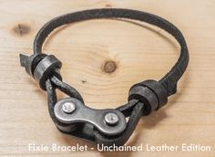 of Fixie Bracelet - Unchained Leather Edition - . - Image of Fixie Bracelet – Unchained Leather Edition -Picture of Fixie Bracelet - Unchained Leather Edition - . - Image of Fixie Bracelet – Unchained Leather Edition - Leather bicycle cha. Diy Bracelets To Sell, Diy Jewelry To Sell, Bracelets For Men, Diy Jewelry Rings, Diy Jewelry Unique, Diy Bike, Diy Accessoires, Bracelet Cuir, Bike Chain Bracelet