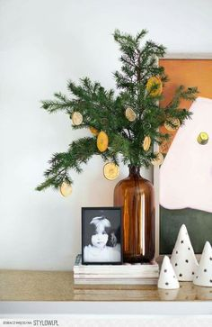 The Grocery Store Solution for Unique and Beautiful Holiday Decor Citrus & Dried Orange Slices Weihnachtsschmuck Natural Christmas, Noel Christmas, Christmas 2019, All Things Christmas, Winter Christmas, Christmas Crafts, Christmas Ornaments, Diy Ornaments, Homemade Ornaments