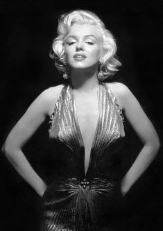 Marilyn Monroe Monochrome Photo Print 28 Size - 210 x - x Vintage Hollywood, Hollywood Glamour, Hollywood Actresses, Classic Hollywood, Actors & Actresses, Old Hollywood Stars, Hollywood Icons, Marilyn Monroe Portrait, Marilyn Monroe Photos