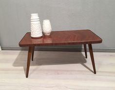 Vintage Tische - Nierentischchen / Blumenhocker *Mid Century - ein Designerstück von Mid-Century-Frankfurt bei DaWanda