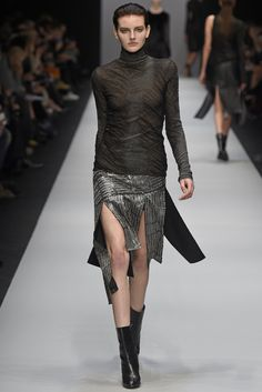Guy Laroche RTW Fall 2015 | WWD