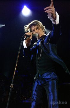 David Bowie, at Hammersmith Apollo, 2002 - The Gemini Spacecraft