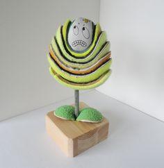 Title: ball-ivorous plant