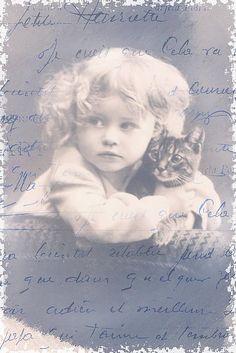 Vintage Photographs That Prove Cats Are A Girl's Best Friend Vintage Children Photos, Images Vintage, Vintage Girls, Vintage Pictures, Vintage Photographs, Old Pictures, Vintage Postcards, Old Photos, Vintage Black