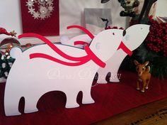 Simple to make polar bear shape cards using Cricut Joys of the Season. might be cute in a christmas village :) Diy Cards, Holiday Cards, Christmas Cards, Christmas Projects, Christmas Diy, Card Making Designs, Holiday Club, Shaped Cards, Cricut Cards