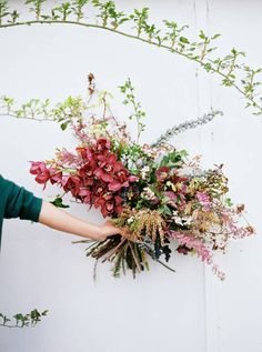 Stunning florals from 1:1 workshop with Ponderosa & Thyme via Magnolia Rouge