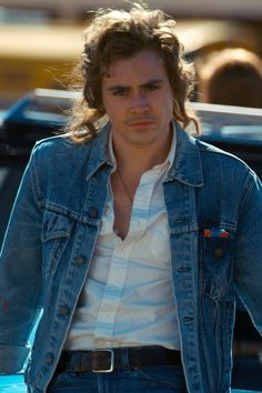 Meet Dacre Montgomery, the Babe-tastic Fresh Face on Stranger Things