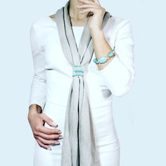 Scarf in 90% Cotton 10% Cashmere. Jeweled bracelet. Turquoise crystal accessory. Made in Italy.