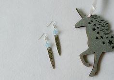 """boucles d'oreilles """"needle"""", perles en pierre naturelle aigue marine  et pointe argentée"""