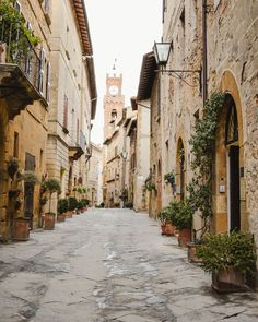 It's hard to beat the beauty of Tuscany with its rolling hills, cypress lined roads and hilltop towns. As much as I love visiting Tuscany in summer to see Sorrento Italy, Naples Italy, Sicily Italy, Capri Italy, Italy Honeymoon, Italy Vacation, Italy Travel, Italy Winter, Italy Landscape