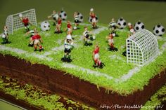 Flor de Sal: Está na hora de mais um derby Benfica vs Sporting!... Soccer Birthday Parties, Soccer Party, Soccer Theme, Cake In A Jar, Mickey Party, Fondant Cakes, Appetizers For Party, Party Themes, Halloween
