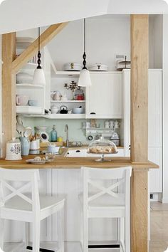white kitchen for sis