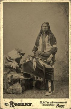 Oglala man as an employed performer in Buffalo Bill's Wild West Show on tour in Paris, France - Wild West Show, Human Personality, Native American Men, Man Standing, Historical Pictures, History Books, First Nations, Photo Archive, The Past