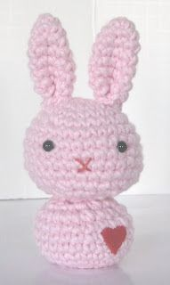 Free pattern : Love Bunnies by crochet n play designs