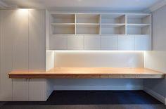 Modern Desk Tendeter Ltd London Wohnraum Mayfield House Modern Home Offices, Small Home Offices, Home Office Space, Home Office Decor, Home Decor, Office Interior Design, Office Interiors, Study Nook, Apartment Design