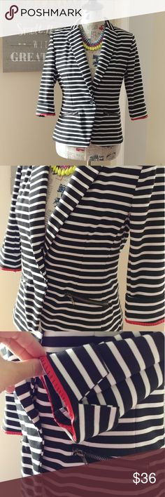 """Christian Siriano b&w striped blazer Christian Siriano Runway Style blazer.  Excellent hardly worn condition.  Zipper pockets, pleated, softly molded shoulder pads. 3/4 length sleeves can be rolled as shown.  Bust 17"""" length 24"""" Christian Siriano Jackets & Coats Blazers"""