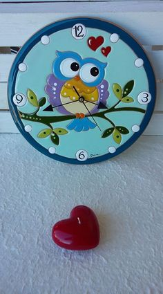 Cd Crafts, Diy And Crafts, Arts And Crafts, Clock Painting, Pottery Painting, Owl Clock, Concrete Sculpture, White Clay, Diy Wall Art