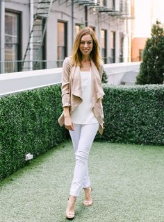 People StyleWatch Contributor and Los Angeles Fashion blogger Sydne Summer styles white skinny jeans for September.