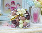 Oeufs de Pâques au chocolat en clair cadeau boîte - Miniature Food en échelle 12e ronde