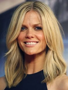 Brooklyn Decker med hair