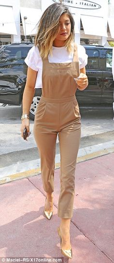 I'm not particularly a fan of the Kardashians/jenners, but this look i love.