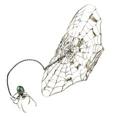The spider and her web possess a mysterious and fascinating beauty. This signature piece is crafted in gold or silver and features sapphires or white diamonds. What's more, the ring and bracelet conne