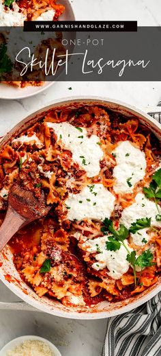 Skillet Lasagna is a comforting, quick and easy one-pot meal. Enjoy your favorite classic Italian dish in just 30 minutes! #lasagnarecipe #onepotmeal #30minutemeals | GarnishandGlaze.com Easy One Pot Meals, One Pan Meals, Easy Dinner Recipes, Easy Dinners, Dinner Ideas, Veggie Recipes, Pasta Recipes, Skillet Recipes, Meal Recipes