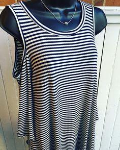 Navy & white stripes for this spring look.  Cold shoulder striped shirt- $32.95 Kendra Scott Mara necklace- $65  #madisonsbluebrick #downtownhotsprings #kendrascott #coldshoulder #stripes #nautical