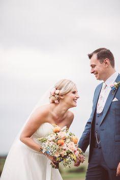 Naomi Neoh Marie Wedding Dress | Mis-Match Pastel Bridesmaids | Odo's Barn Kent | The Bell Tent Company | Outdoor Reception | Lemonade Pictures | http://www.rockmywedding.co.uk/hayley-jon/
