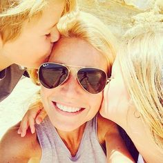 """Gwyneth Paltrow snapped an adorable selfie with Apple and Moses in May writing, """"Feelin' the love today. See more of her sweetest family photos! Gwyneth Paltrow, Yvonne De Carlo, Laetitia Casta, Claudia Schiffer, Alessandra Ambrosio, Scarlett Johansson, Papa Francisco I, Selfies, Social Media Awards"""