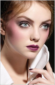 Google Image Result for http://3.bp.blogspot.com/_JWrknpVMoaw/TI6DextXzCI/AAAAAAAAAJ4/efRwyeGnee0/s1600/fall-2009-makeup-collections.jpg