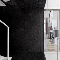 the power of black painted OSB Smart Home Design, Modern Interior Design, Painted Osb, Architecture Details, Interior Architecture, Osb Plywood, Osb Board, Particle Board, Timber Garage