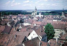 Discover the world through photos. Kitzingen Germany, Germany Travel, Paris Skyline, Community, World, Germany Destinations, The World