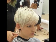 Undercut Textured Bob - How to Woman Tutorial - YouTube … | Pinteres…