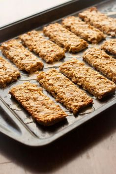 Crunchy Peanut Butter Granola Bars Prep time: 10 Cook time: 20 Total time: 30 Serves: 12 Subtly sweet, crunchy peanut butter granola bars. 120 calories. |