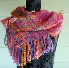 Autumn coloured handwoven mobius scarf (cowl) | Felt
