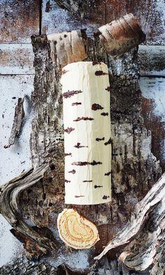 Koivuhalkokakku – upea herkku on helppo leipoa   Meillä kotona Baking Recipes, Cake Recipes, No Bake Cake, Sweet Treats, Food And Drink, Christmas, Fondant, Waffles, Celebration