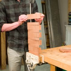 How to Make a Flip-Down Wall-Mounted Coat Rack – Family Room İdeas 2020 Handyman Projects, Woodworking Projects Diy, Diy Wood Projects, Woodworking Plans, Wood Crafts, Diy Coat Rack, Project Steps, Deco Originale, Wall Mounted Coat Rack