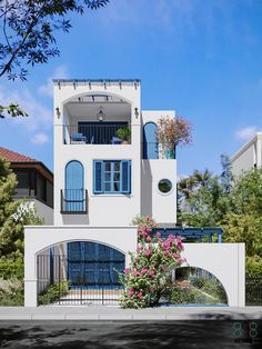 Pin on Nhà phố - townhouse collection 2020 Pin on Nhà phố - townhouse collection 2020 Architecture Design, Facade Design, Exterior Design, Modern Small House Design, Home Modern, Bar Design, Villa Design, Design Home Plans, Santorini House