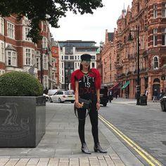 Rocking in London 🎸 #londoncity #fashionmy❤️ #moalmada