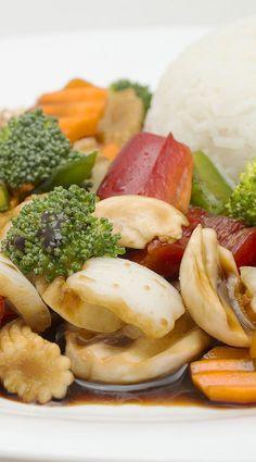 ¿Sabías que el #Brócoli es uno de los alimentos que previene y ayuda a frenar el #cáncer? #SomosLoqueComemos #ComidaSaludable >> Numerosos estudios han demostrado que el #sulforafano del Brócoli puede detener el proceso de proliferación celular que caracteriza las etapas iniciales del cáncer. El Bócoli pertenece a las #verduras o #plantas #crucíferas como son la col, la coliflor, el brócoli, el nabo, la col lombarda, coles de bruselas,... Tienes más info sobre esto en facebook.com/padthaiwok