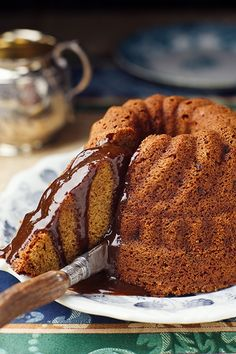 whiskey cake with butterscotch sauce