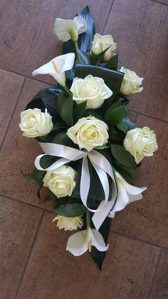 Arrangements Funéraires, Funeral Floral Arrangements, Church Flower Arrangements, Grave Flowers, Cemetery Flowers, Church Flowers, Funeral Bouquet, Funeral Flowers, Deco Floral