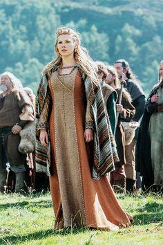 Výsledek obrázku pro viking costumes for girls Viking Cosplay, Viking Garb, Viking Dress, Viking Costume, Medieval Costume, Medieval Dress, Medieval Fashion, Katheryn Winnick, Vestidos Viking